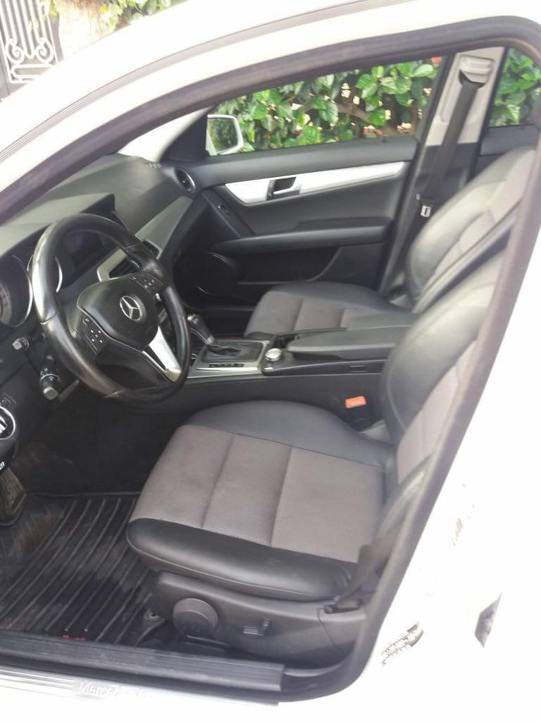 voiture-mercedes-c220-model-2012